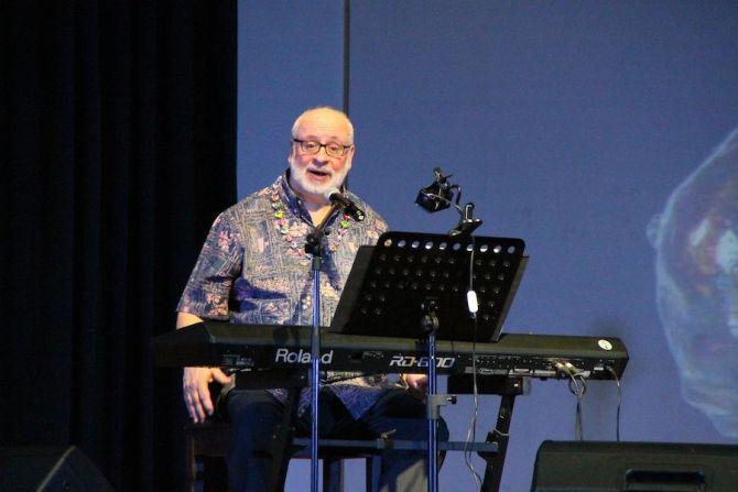 David Haas at concert 2