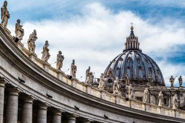 St Peters Vatican Credit fabrycs Shutterstock CNA